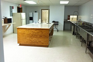Community_Building_Kitchen_2013_9